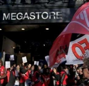 Virgin Megastore Champs Elysées'de kapanıyor